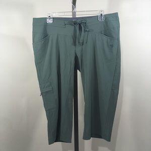 MOUNTAIN HARDWEAR Green Cargo Capri Pants 10